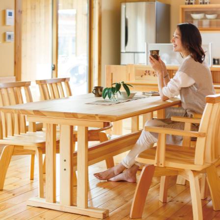 無垢材の家具も勢ぞろい!もちろん購入可