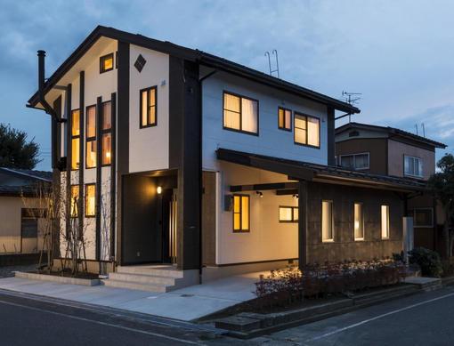 築30年の住宅を「無垢材+自然素材」でフルリノベーション